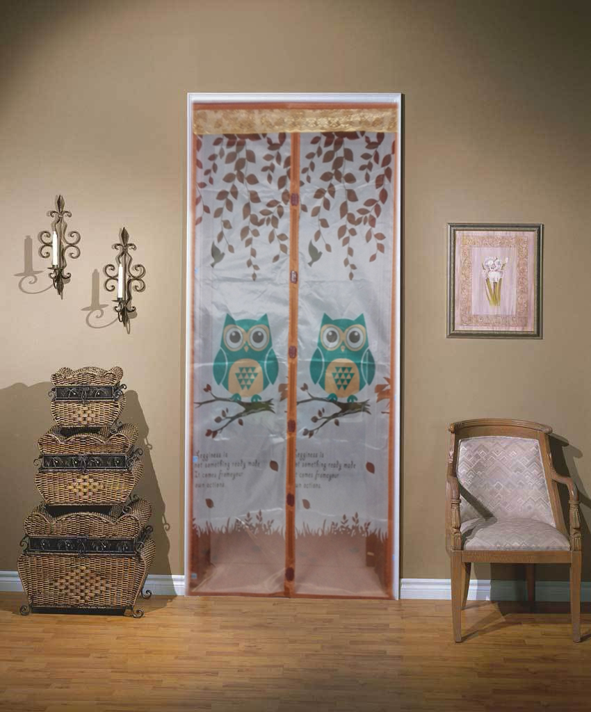 Mosquito curtain screen doors with magnets