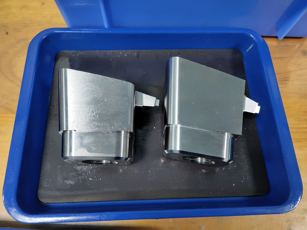 2020 high quality precision plastic injection mold parts in Dongguan China