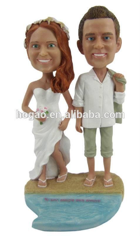 Custom resin wedding bobbleheads for gift, OEM resin wedding souvenir