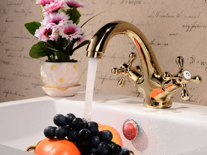 Fashionable design tub faucet bathroom faucet