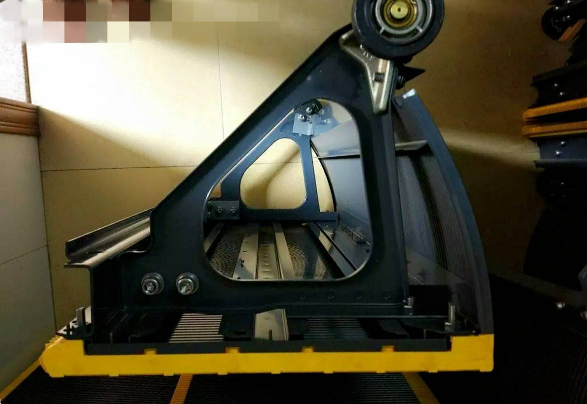 Hitachi escalator step(stainless steel 30°/35°)