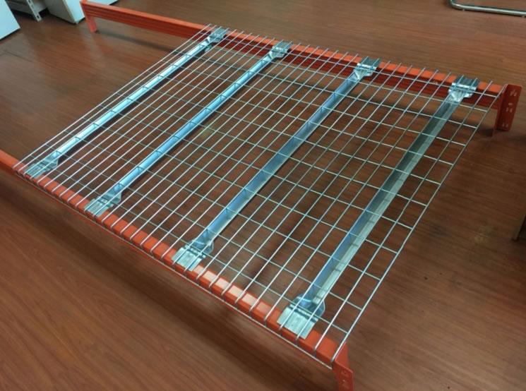 Welded mesh shelving system