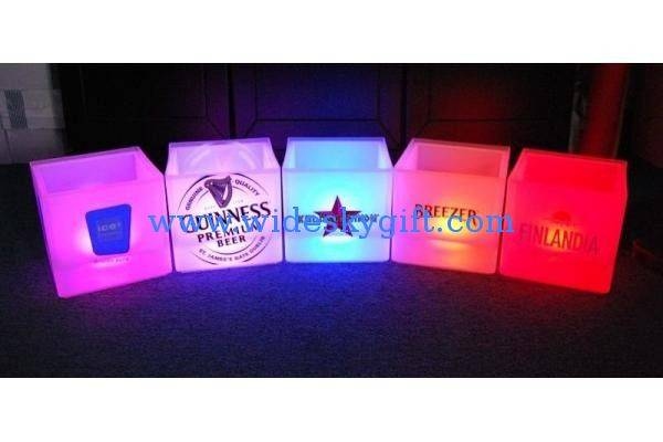 customized color Double layer Led beer Ice bucket with PP material