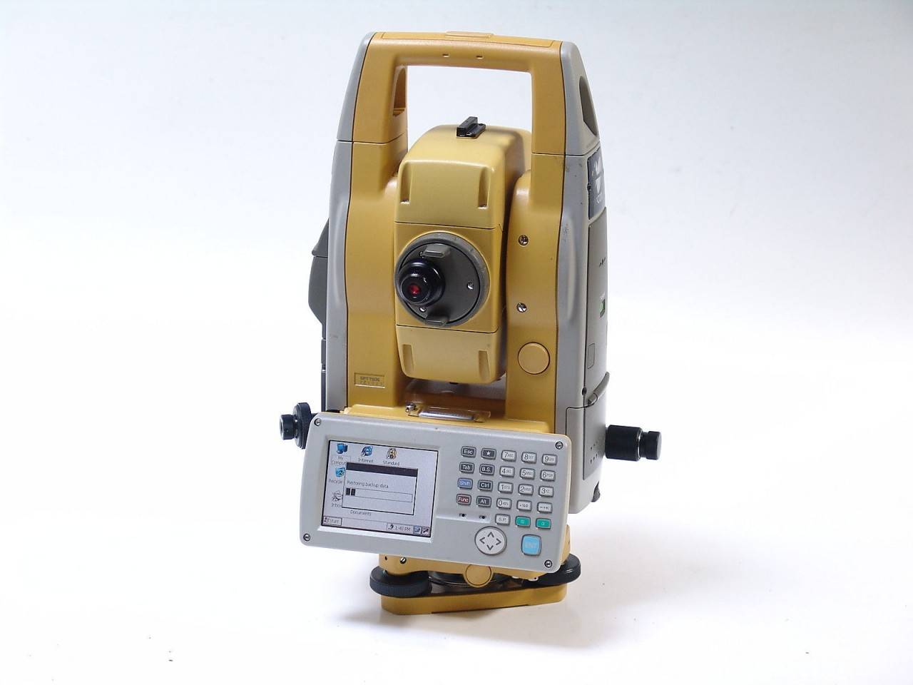 Topcon GPT-7505 total station