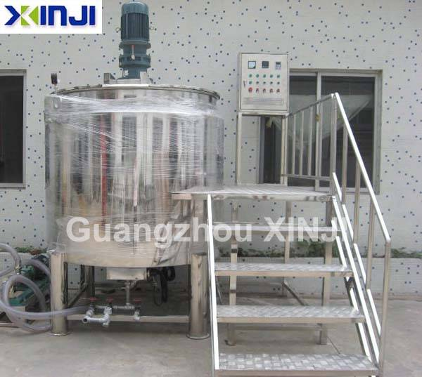 Chemical stainless steel mixing tank
