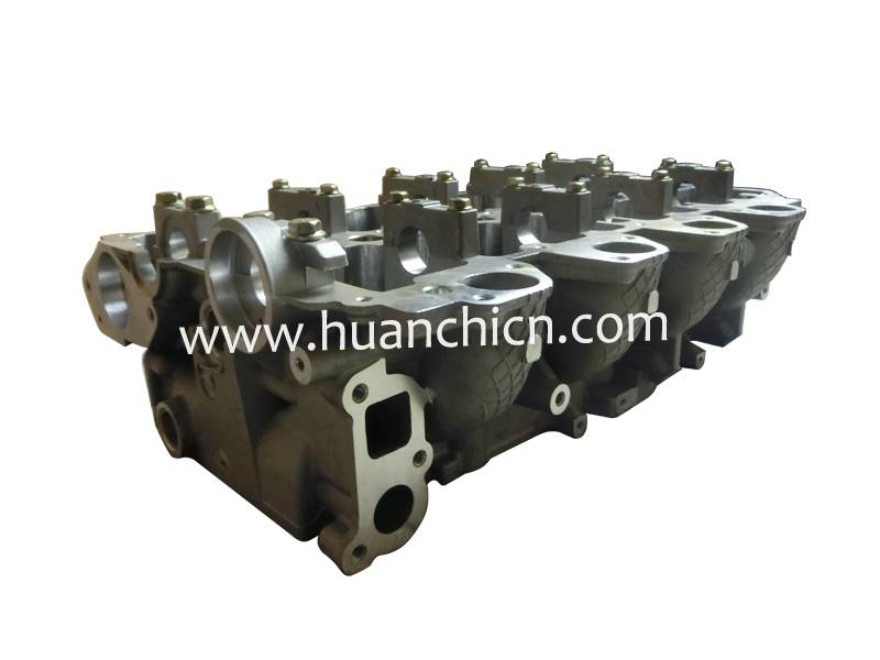 excavator spare parts  cylinder head 4D56U