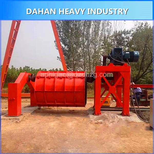 Concrete cement pipe making machine