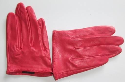 Lady's Gloves