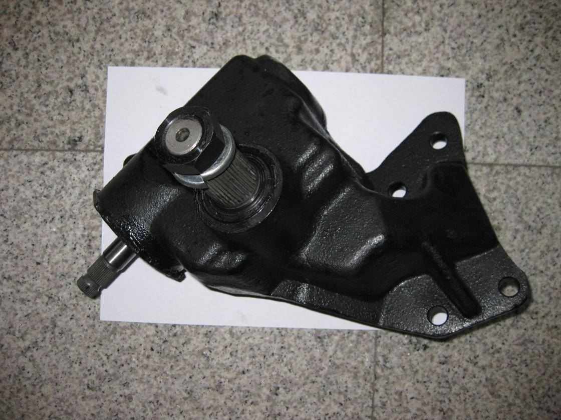 ISUZU Steering Box