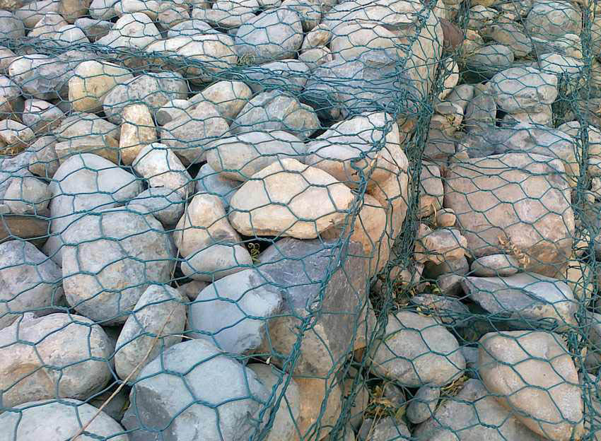 welding the stone cage nets/pvc gabion box
