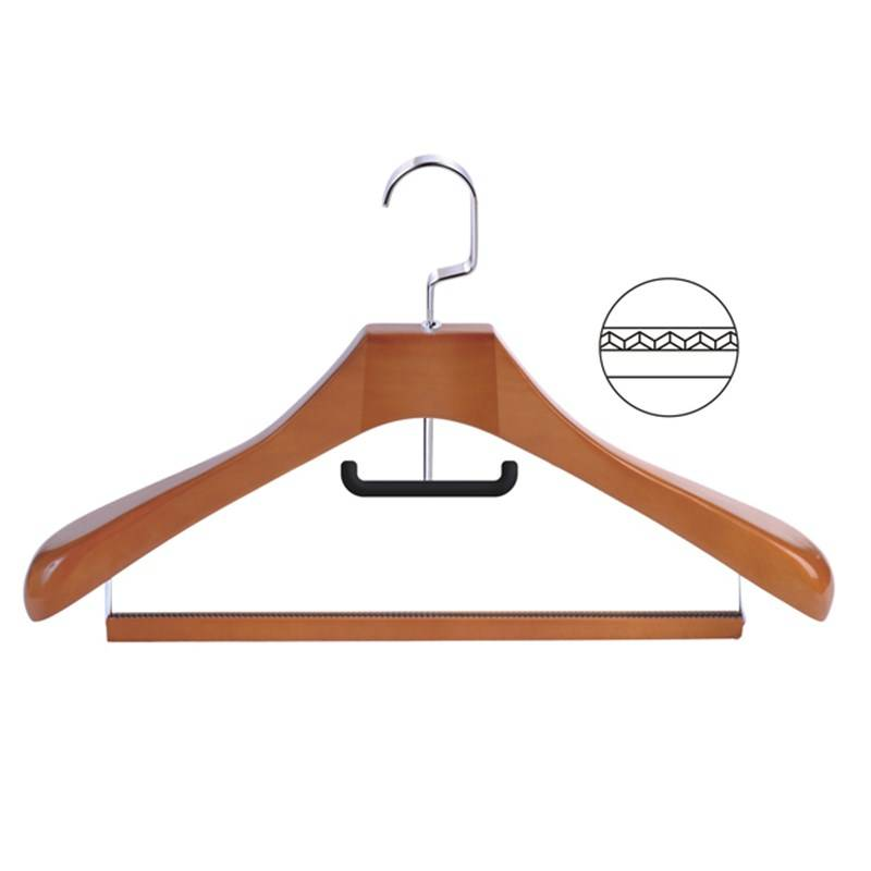 Luxtury Wooden Hanger with bar for garment
