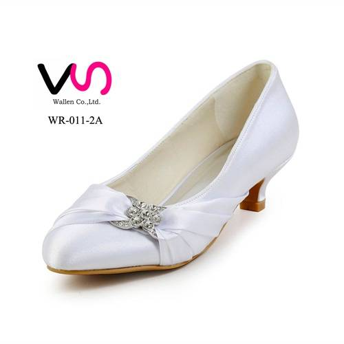 Small order wholesale no MOQ ivory low heel bridal wedding shoes made in China