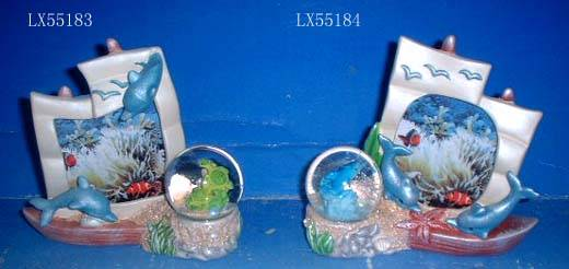 Ceramic snowglobe with photo frame
