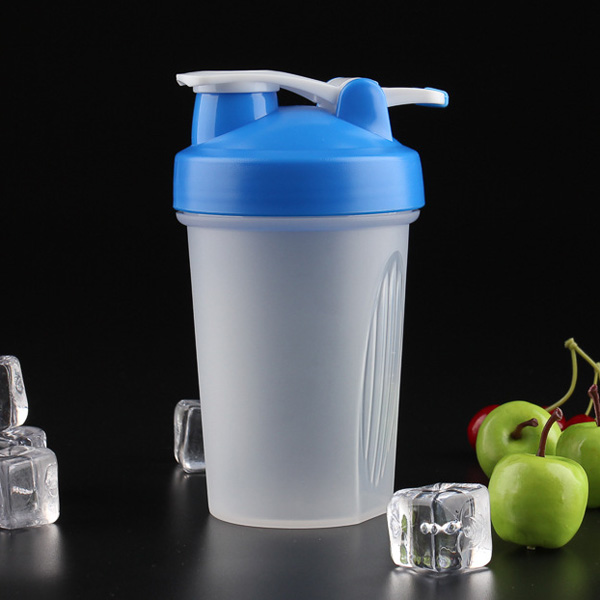 20oz Shaker Bottle with hook
