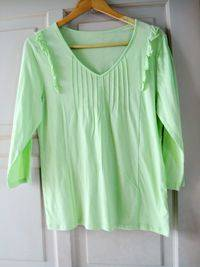women's green long-sleeved  clothing
