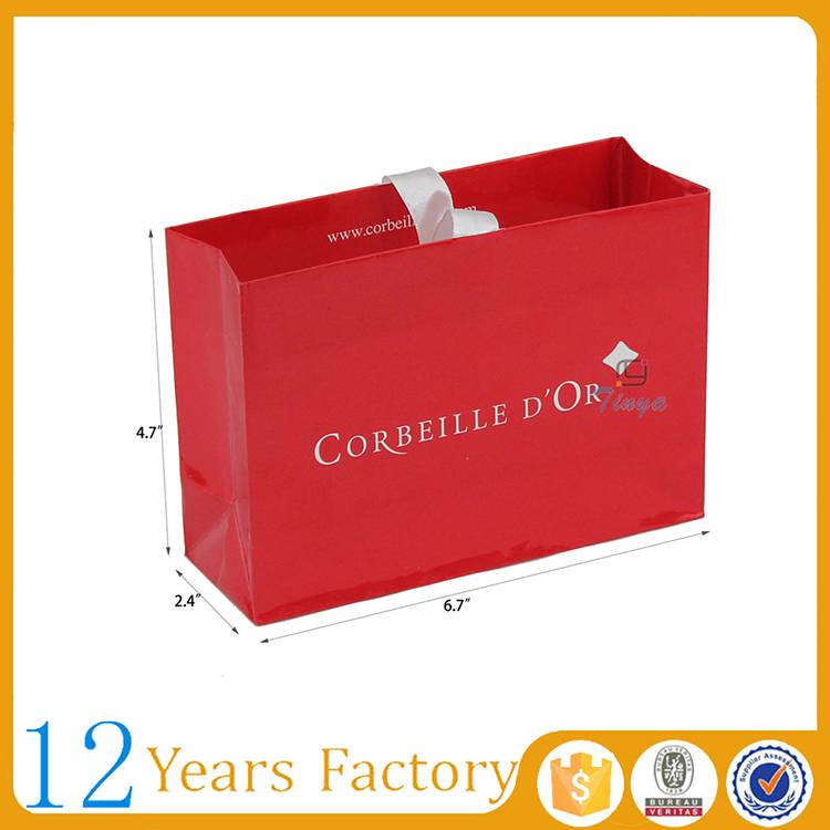 design luxury shopping jewellery box and bags