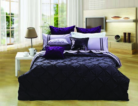 quality cotton fashion pleat embroidery comforter set
