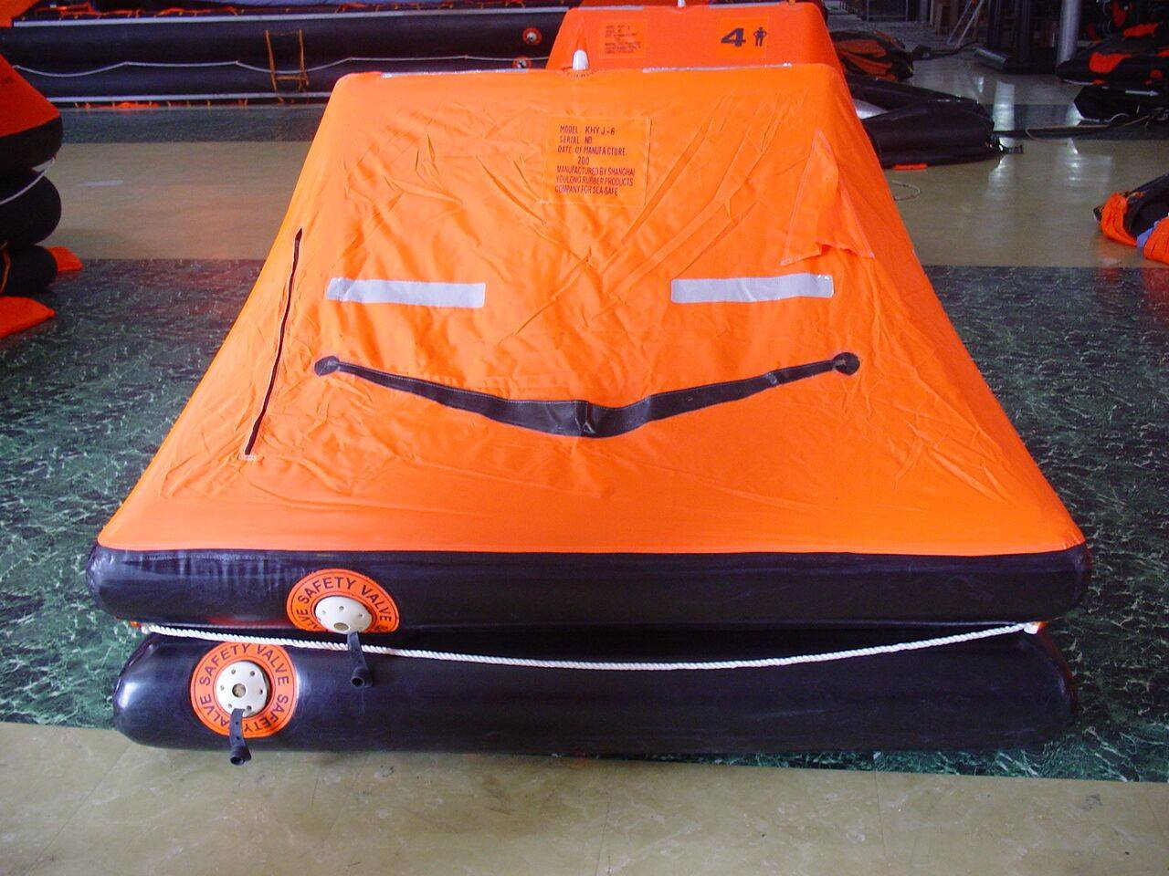 Fishing/Lleisure small craft inflatable life rafts 4 persons