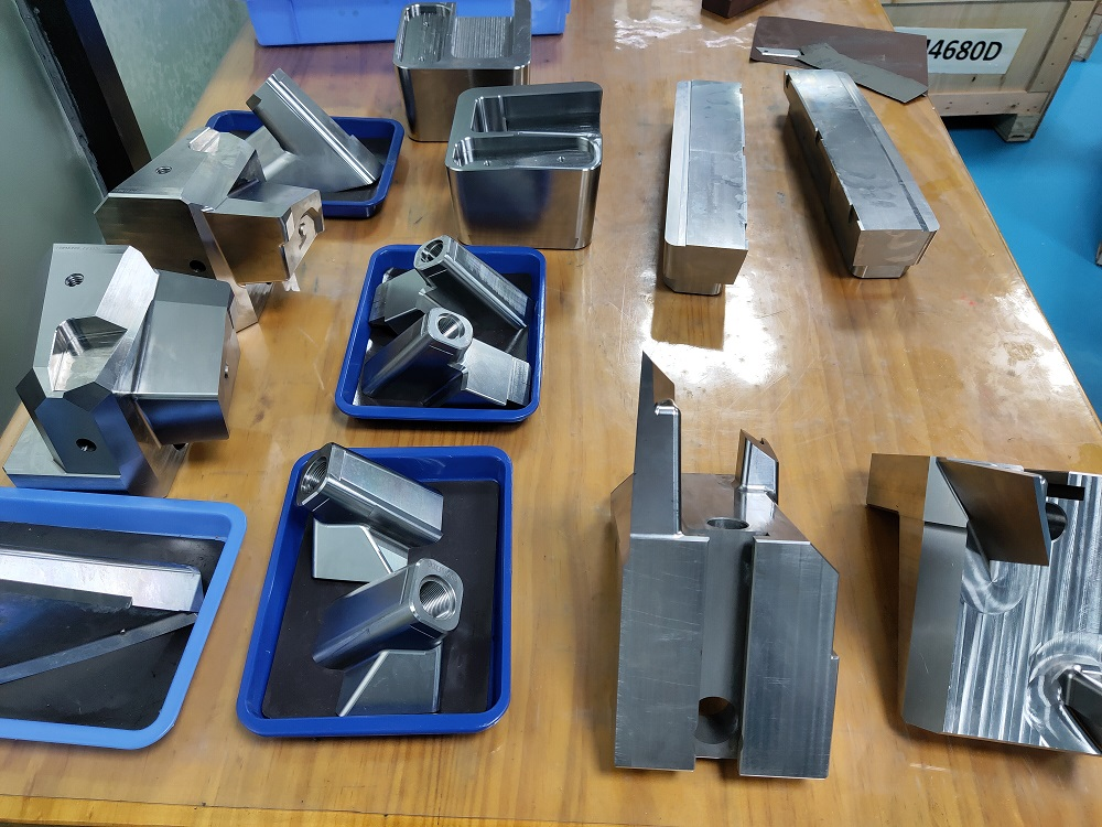 2020 Chinese factory of precision mold components