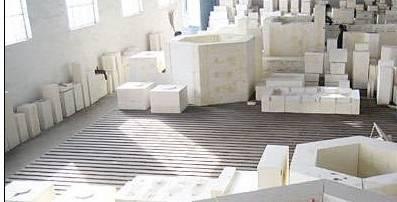 Low porosity confined clay brick
