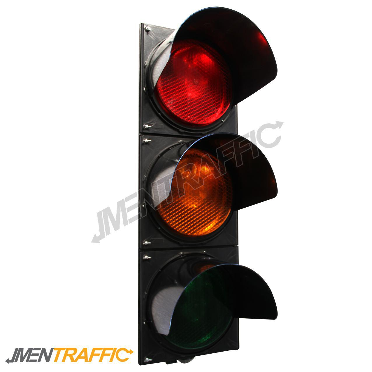 Three aspect traffic light