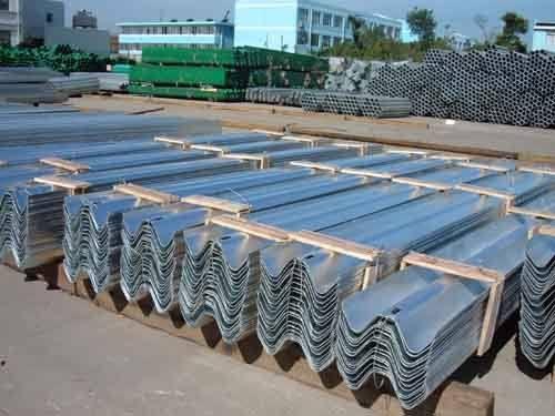 traffic barrier  galvanize