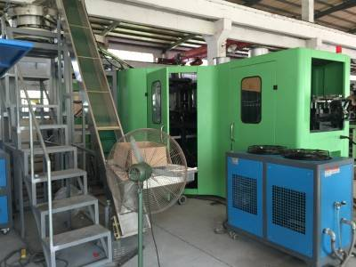 PET bottle blow molding machines