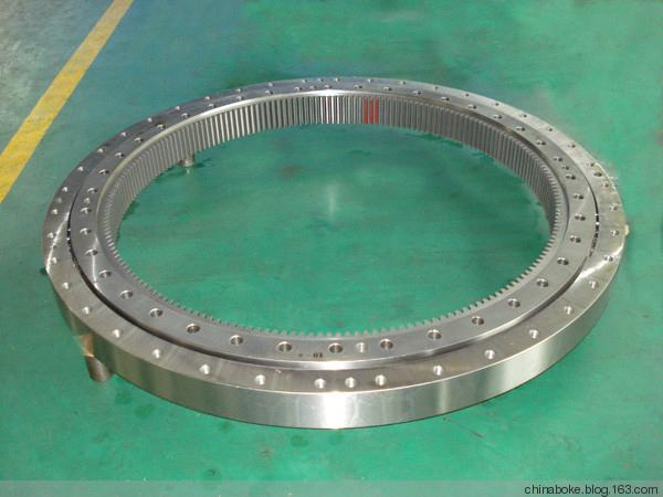 Single rwo slewing bearing
