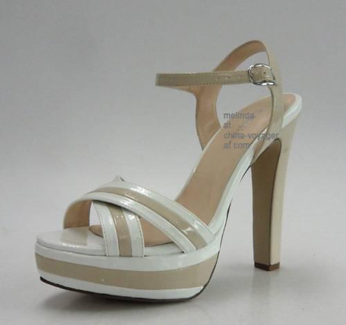White Chunky Heel Fashion Sandals