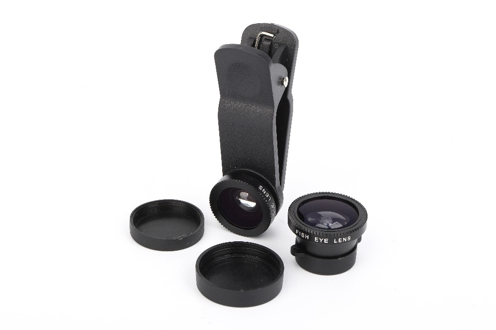 Universal clip-on carema lens kit for iphones