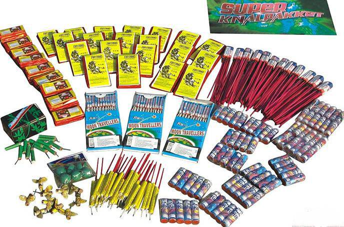 1.4g assortment  fireworks package