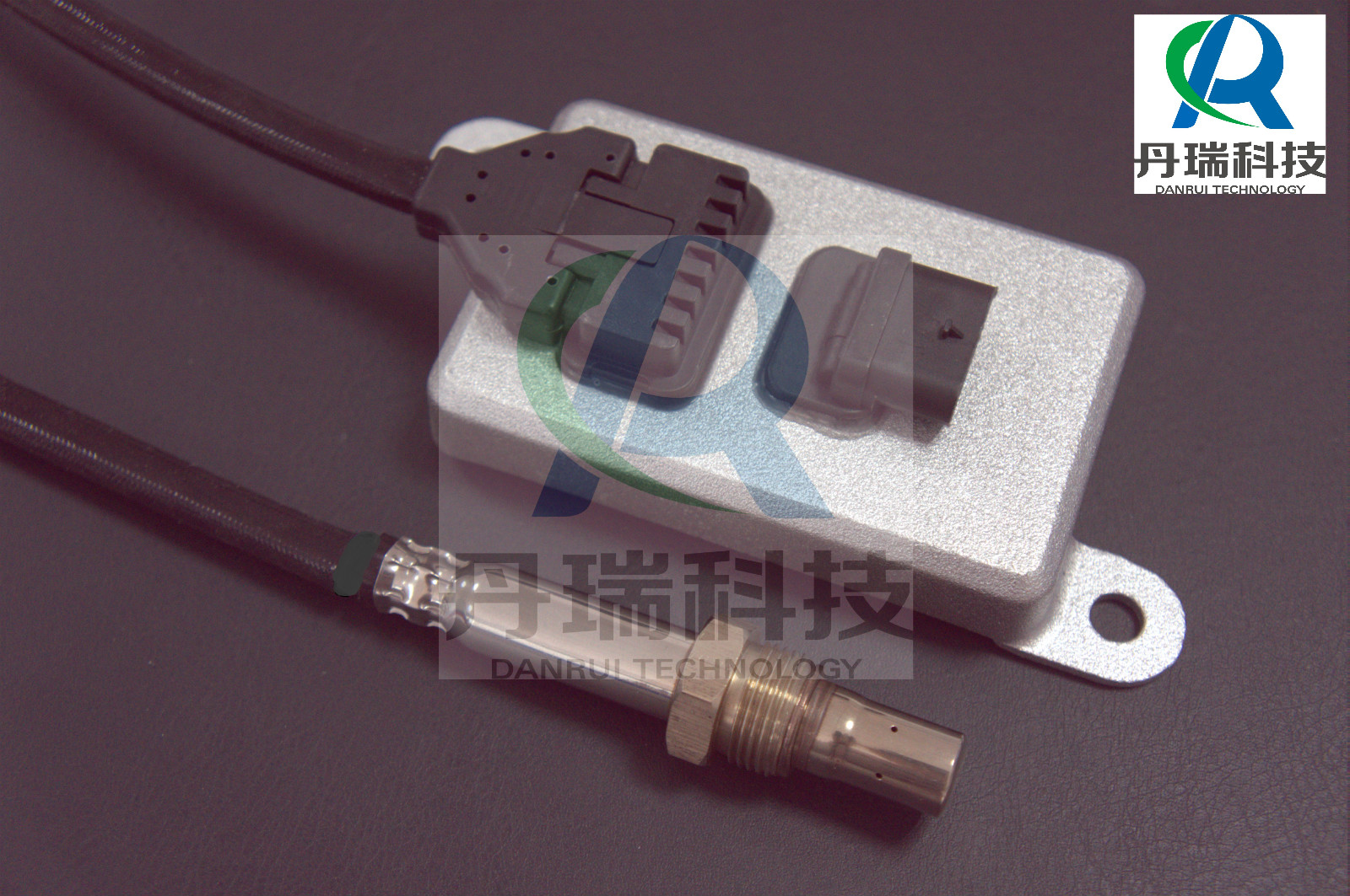 5wk9 6675A NOx Sensor to reduce diesel exhaust emission