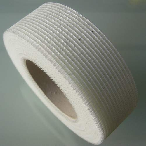 Strong adhesion easy to use mold resistant self adhesive fiberglass tape