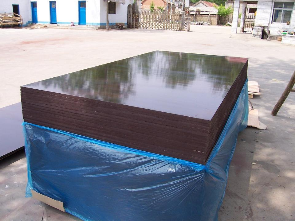 Shandong high quality 4'8' film faced plywood/okoume marine plywood for wholesale cheap price