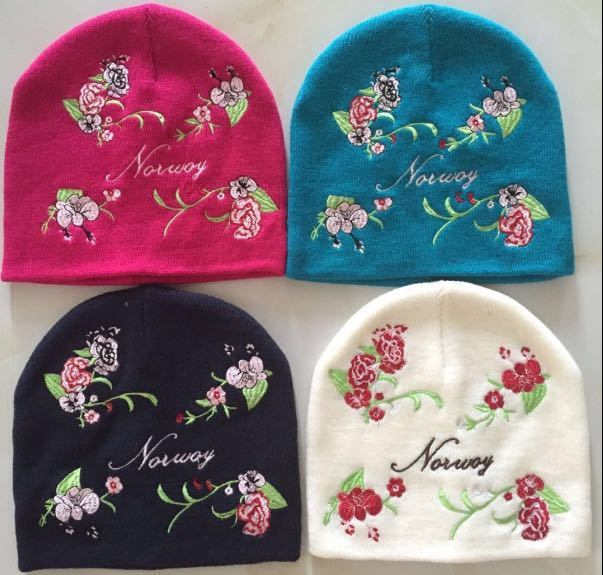 100% Acrylic Fashion Lady Kids Man Winter Knitted Embroidery Flowery Double Layers Beanie Hat Caps