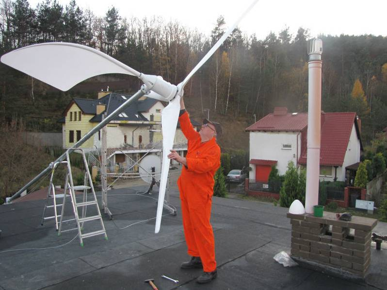 Permanent-magnet 3 phase AC3kw horizontal wind turbine