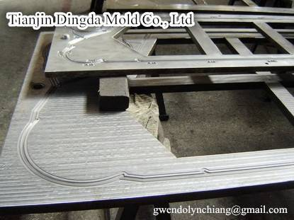 Plate heat exchanger moulds