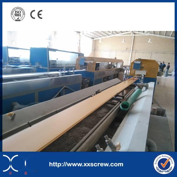 Plastic profile extruder machine