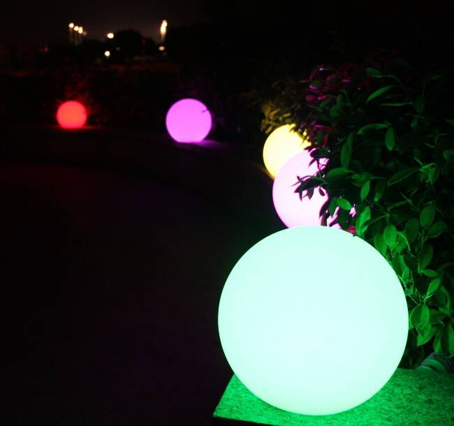 Led light Ball with Rotational PE plastic