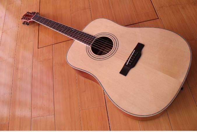 Acoustic guitar DG360