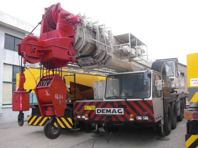 2005 DEMAG AC265 100ton AT Crane