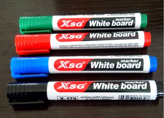Dry eraseable marker pen with clip X-179