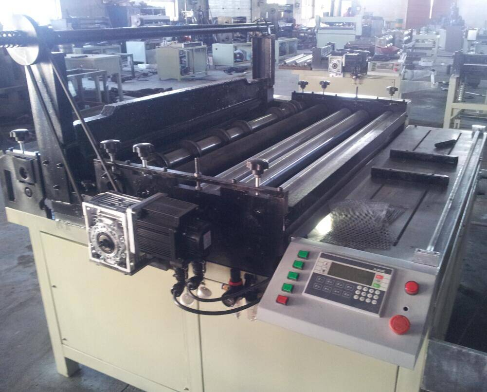 1250 mm Automatic filter mesh slitting cutting and rolling machine