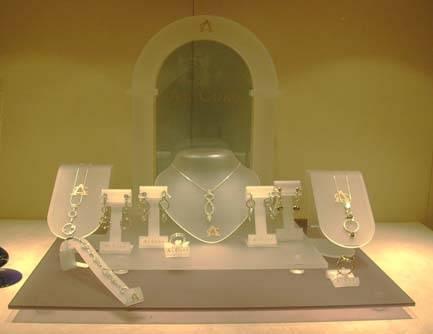 Acrylic Jewelry Display / Holder/ Rack