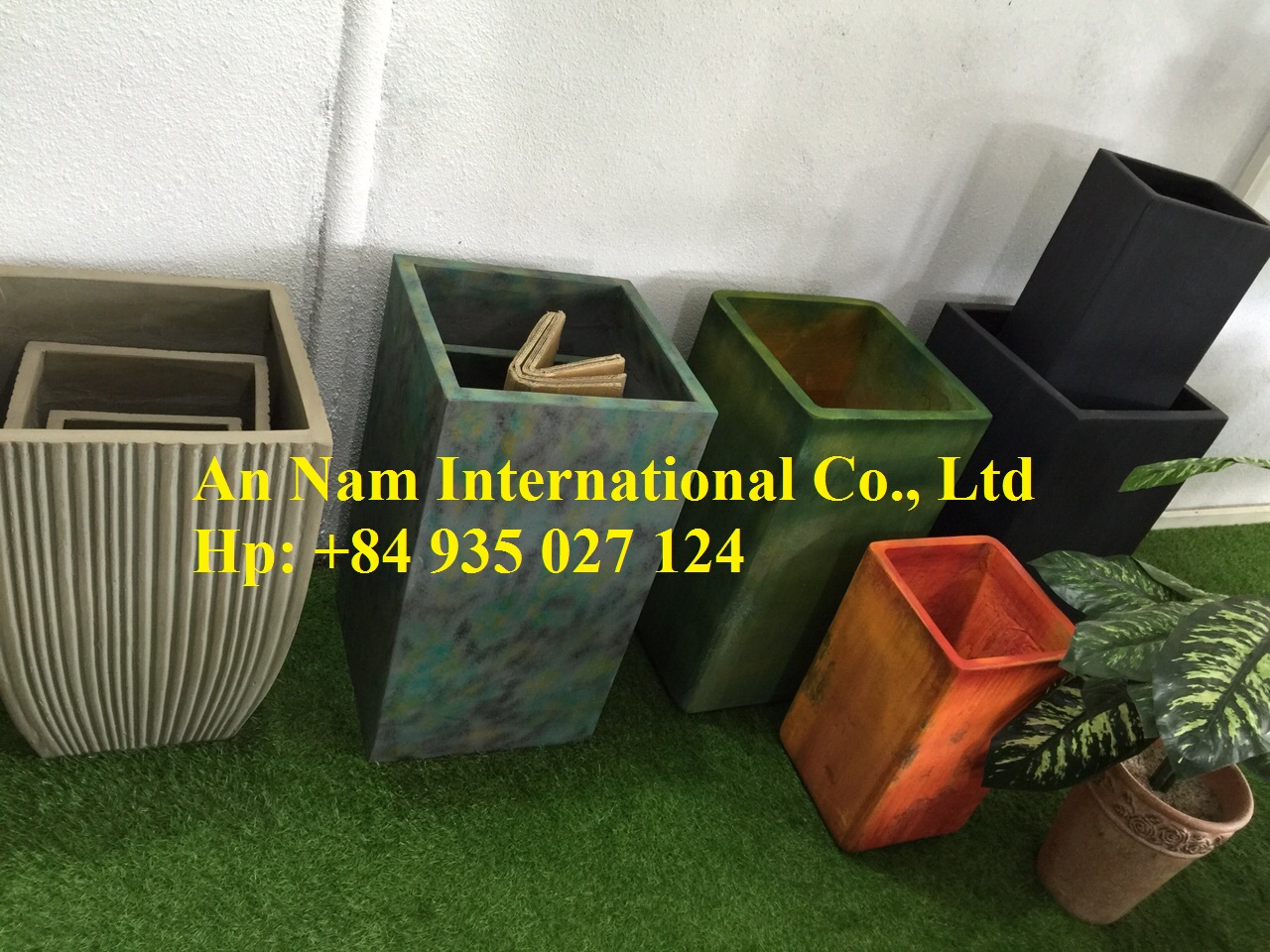 Ceramics pots