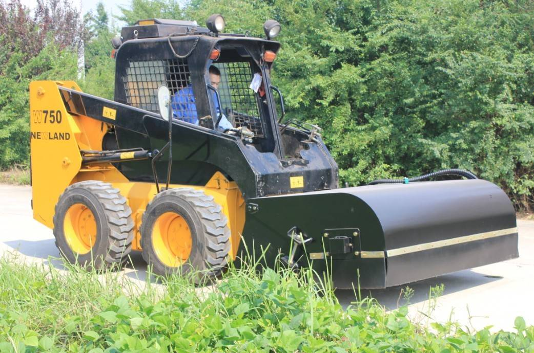 HCN 0202 series road sweeper for skid steer loaders