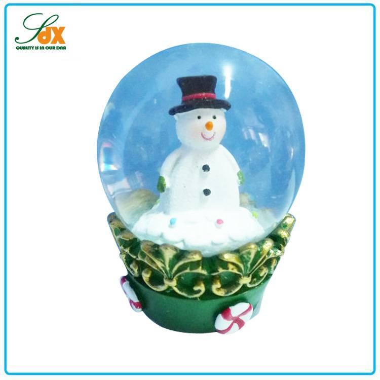 China manufacturer high quality winter snowman snow globe