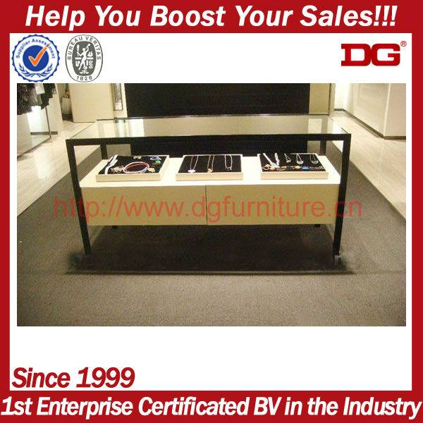 Hot selling wooden retail counter display stand