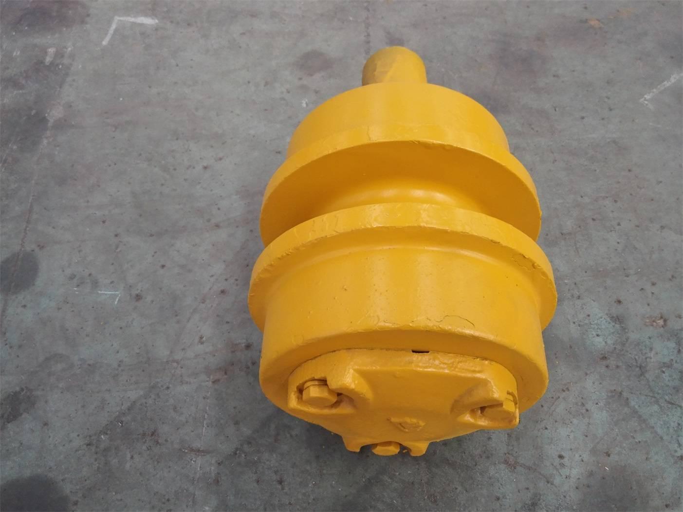 Komatsu-D40 Carrier roller