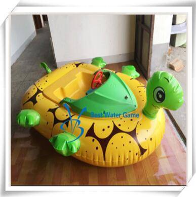 Cartoon inflatable water electric bumper boat,battery operated bumper boat for swimming pool